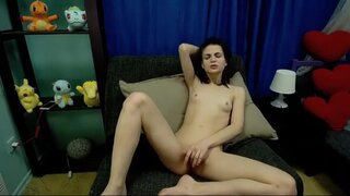AnnetDavis – Cute Girl Likes To Play With Her Pussy
